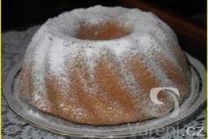 Ultra rýchla bábovka z mikrovlnky za 8 minút - to musíte vyskúšať! Cast Iron Dutch Oven, Bunt Cakes, Czech Recipes, No Bake Pies, Sweet Bread, How To Make Cake, Food And Drink, Cooking Recipes, Pudding
