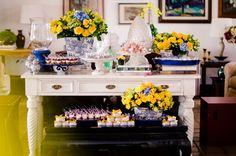 Holy Bride   Amanda Soldi: Inspiração: azul e amarelo