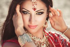 Indian Women Beauty Secrets - With a constantly increasing number of Miss World and Miss Universe wins, Indian women are certainly doing something right when it comes to their skincare and beauty tricks. From their flawless complexion to their beautiful hair, many Indian women continue to use ancient beauty treatments.