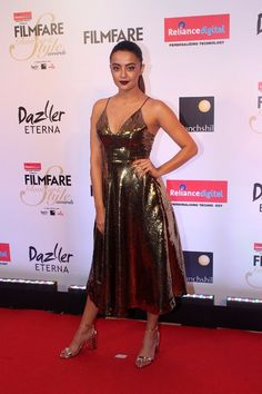 Surveen Chawla at Filmfare Glamour & Style Awards 2017 - south celebrities Hollywood Girls, Hollywood Model, Hollywood Star, Bollywood Actress Hot Photos, Bollywood Actors, Tamil Actress, Girls In Mini Skirts, Heroine Photos, Indian Bollywood