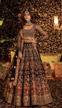 New Nomi Ansari Bridal Suits 2020 for Your Big DayYou can find indische kleider and more on our website.New Nomi Ansari Bridal Suits 2020 for Your Big Day Desi Wedding Dresses, Pakistani Wedding Outfits, Indian Bridal Outfits, Indian Bridal Wear, Indian Wedding Lehenga, Indian Bridal Fashion, Indian Weddings, Indian Wedding Clothes, Punjabi Wedding Suit