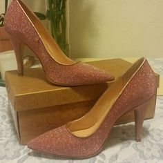 """Luiza Barcelos High Heels made in Brazil Sparkling new metallic Old Rose 4"""" heels brand new in box Luiza Barcelos Shoes Heels"""