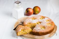 This Thermomix apple cake has a fluffy sponge and a hint of cinnamon. It is absolutely mouthwatering and such a great treat for a rainy day.