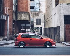 regram @mindless Starlet Sunday! #starlet #glanza #ep91 #igcars #JDM #4efte #hothatch #igdaily #BuiltDrivenRaced #stance #fuckenfast #drivetastefully Toyota Starlet, Japan Cars, Jdm, Old School, Wheels, Sunday, Wallpaper, Easy, Rolling Carts