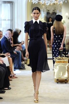 Ralph Lauren Resort 2015 Fashion Show Collection: See the complete Ralph Lauren Resort 2015 collection. Look 2 Love Fashion, Fashion Show, Fashion Design, Classic Fashion, Runway Fashion, Womens Fashion, Classic Style, Style Fashion, Mode Outfits