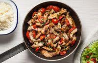 Mazi ta fagame: Γρήγορα φιλετάκια κοτόπουλου με μέλι, σκόρδο και ντοματίνια