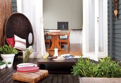 Outdoor Escape - Systematic walls create comfort on a lazy day outdoors