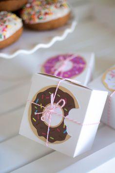 Donut Party Ideas by Twinkle Twinkle Little Party #donutparty #donutprintables #donuts #frebies #freeprintables