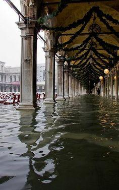 Acqua alta a San Marco., Venice