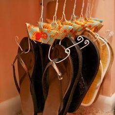 Flip Flop and Flats hanger. kimberlyalsp Flip Flop and Flats hanger. Flip Flop and Flats hanger. Do It Yourself Organization, Closet Organization, Closet Storage, Organizing Shoes, Clothing Organization, Bedroom Storage, Diy Shoe Organizer, Flip Flop Organizer, Shoe Storage Ideas For Small Spaces