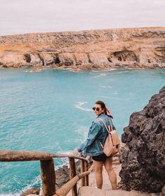 Fuerteventura Must Sees & Instagram-Spots, die dich keinen Cent kosten Holiday Places, Holiday Destinations, Barcelona Spain Travel, Summer Photos, Island Beach, Canary Islands, Holiday Travel, Travel Photography, Surfing