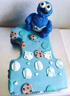 Für kleine (und auch für große) Monster hat Sara diese TolleTorte geschaffen. Wir sind begeistert. PAssend große Cakeboards für quasi jede Gelegenheit findet Ihr bei uns!  http://www.tolletorten.com/advanced_search_result.php?keywords=cakeboard&x=0&y=0&utm_source=Facebook&utm_medium=Post&utm_campaign=FBCakeboard