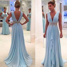 Dress Um lindo modelo by @isabellanarchi para inspirar madrinhas e…