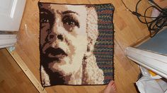 The fifth Blanket Square for the backside of the HP blanket is on its way!!! Love the backgroundcolour in this one! ^-^  Woop, woop! And we have a nose! :D This panel is so much fun to make XD !! H...