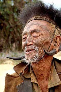 Inde. Wancho Naga. les derniers coupeur de têtes d'Arunachal Pradesh