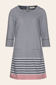 Signature Seasalt tunic dress, in stripes inspired by the Cornish coast. Made from silky soft cotton, our Folly Cove Dress is designed for an easy fit.