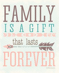 Family is a gifts that lasts forever FREE PRINTABLE over at the36thavenue.com