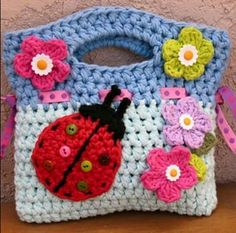 Girls Crochet Ladybug Purse Pattern - by Evas Studio - love this. if only I could crochet! Love Crochet, Crochet For Kids, Crochet Flowers, Knit Crochet, Single Crochet, Crochet Shawl, Crochet Sachet, Slippers Crochet, Crochet Handbags