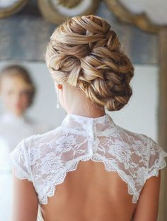 Coiffure mariage : Find the perfect wedding hairstyle! Browse 20 gorgeous looks here: www. Bobby Pin Hairstyles, Up Hairstyles, Pretty Hairstyles, Hairstyle Ideas, Bridal Hairstyles, Perfect Hairstyle, Stylish Hairstyles, Easy Hairstyle, Winter Hairstyles