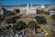 Pro-Independence catalans gather in Catalunya square during a Pro-Independence rally on October 19, 2014 in Barcelona, Catalonia. President of Catalonia announced to hold an unofficial poll instead of independence referendum on November 9 in an attempt to avoid the suspension imposed by the Constitutional Spanish Court.