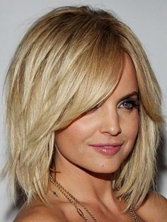 Short and layered hair. | #HairStyle #Blonde