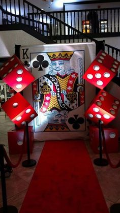 Playing cards-king of hearts казино вечеринка, планировани Las Vegas Party, Vegas Theme, Casino Night Party, 80s Party, Casino Party Decorations, Casino Theme Parties, Party Themes, Themed Parties, Party Ideas