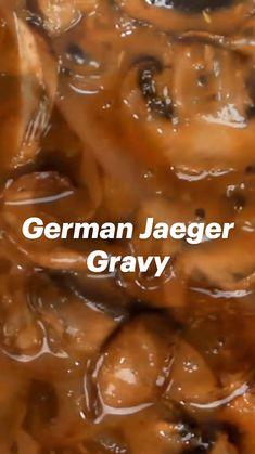 Sauce Recipes, Pork Recipes, Cooking Recipes, German Food Recipes, Chicken Recipes, Mushroom Gravy, Mushroom Sauce, Mushroom Chicken, Sauces
