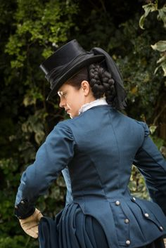 Posts about side saddle written by A damsel in this dress Equestrian Chic, Equestrian Outfits, Victorian Costume, Steampunk Costume, Victorian Women, Victorian Fashion, Victorian Hats, Gothic Fashion, Historical Costume