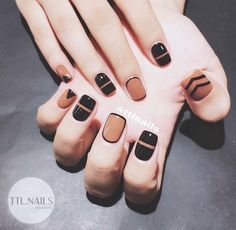 Stunning Minimalist Nail Art Designs Nail art is a contemporary mode of decorating nails. Gel Nail Art, Nail Art Diy, Nail Polish, Diy Art, Minimalist Nails, Nail Swag, Colorful Nail Designs, Nail Art Designs, Trendy Nails