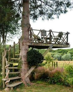 Outdoors Discover Who hasn& dreamed of having a tree house? What about this idea for an outdoor space? Outdoor Rooms, Outdoor Fun, Outdoor Gardens, Outdoor Living, Rustic Gardens, Outdoor Bathrooms, Outdoor Seating, Outdoor Bedroom, Outdoor Projects