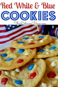 Red, White and Blue cookies are the perfect recipe to celebrate Memorial Day and 4th of July. Don't miss this tasty patriotic cookie recipe. #4thofjulycookies #memorialdaycookies