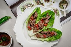 GORDON'S CHILLI BEEF LETTUCE WRAPS on TheModelFoodie.com #fresheats #cleaneats