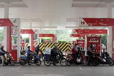 Pertamina Surplus, Harga BBM Cuma Turun Tak Sampai Rp 1.000 - Katadata News