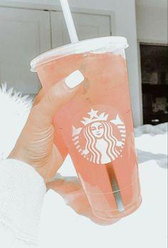 Copo Starbucks, Bebidas Do Starbucks, Secret Starbucks Drinks, Pink Starbucks, Peach Aesthetic, Aesthetic Coffee, Aesthetic Food, Yummy Drinks, Fun Drinks
