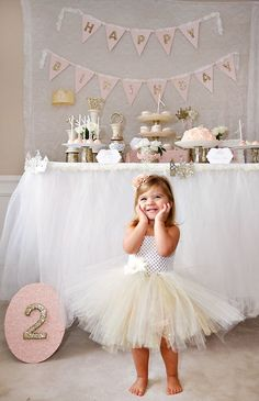 What's better for a little girl's birthday party than a princess party? Looking for ideas for DIY princess decorations, princess party food and princess party ideas. Check out this beautiful princess birthday party. Little Girl Birthday, Princess Birthday, Baby Birthday, Birthday Ideas, Birthday Bunting, Gold Birthday, Princess Theme, Birthday Table, Birthday Crowns