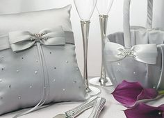 This platinum guest book is an expression of enduring style and stunning sophistication with its scattering of glittering crystals and classic pearls. Peonies Wedding Centerpieces, Kimberly Williams, Warehouse Wedding, Platinum Wedding, Square Rings, Timeless Elegance, Wedding Supplies, Wedding Sets, Groomsman Gifts