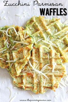 Make eating veggies fun with these delicious zucchini parmesan waffles the whole family will gobble up! - Waffle Maker - Ideas of Waffle Maker Veggie Recipes, Vegetarian Recipes, Cooking Recipes, Healthy Recipes, Zucchini Waffles, Savory Waffles, Waffle Maker Recipes, Pancake Recipes, Breakfast Recipes