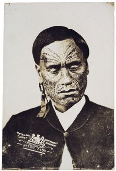 NZ Government Tourist Department (Wellington) :Portrait of unidentified Maori man Maori Tattoos, Maori Face Tattoo, Ta Moko Tattoo, Filipino Tribal Tattoos, Samoan Tribal, Borneo Tattoos, Thai Tattoo, Maori Designs, Maori People