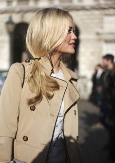 Hair blonde side ponytail & The Trench Jacket My Hairstyle, Pretty Hairstyles, Side Ponytail Hairstyles, Bouffant Hairstyles, Beehive Hairstyle, Wedge Hairstyles, Beach Hairstyles, Brunette Hairstyles, Fringe Hairstyles
