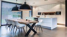 Hans Kwinten Interieurprojecten in Bergeijk. Maatwerk | meubels | interieurinrichting | haardmeubels | keukens | badkamers | kasten | projecten | interieur | inspiratie | design | ontwerpen | op maat | styling | interieur advies | ambacht | kleurrijk | strak | modern | landelijk | klassiek | wonen | leven | Kitchen Interior, Home Interior Design, Interior Decorating, Küchen Design, House Design, Cuisines Design, Home Kitchens, Kitchen Dining, Sweet Home