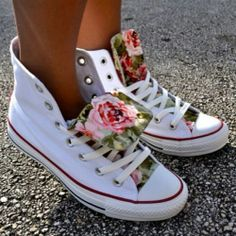 Wanting to paint a pair of shoes with the same floral pattern