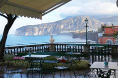 Piscina | Grand Hotel Excelsior Vittoria | Pinterest | Grand hotel