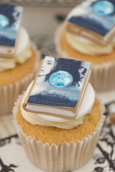 Cassandra Clare cakes - The Mortal Instruments City of Bones edible mini book cupcakes. Made by Bluebell Kitchen