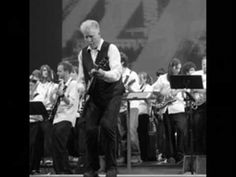 Rhys Chatham - Guitar Trio (G3) part 2 (finale) - Brooklyn. Rhys Chatham, Thurston Moore, Lee Renaldo, David Daniell, Kim Gordon, Colin Langenus, Alan Licht, Robert Longo, Byron Westbrook, Adam Wills - Electric Guitars, Ernst Brooks III - Electric Bass, Jonathan Kane - Drums.
