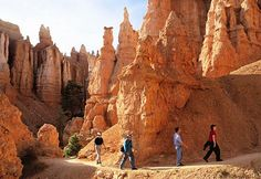 4 of 15  	        Queens Garden, named for Queen Victoria, is the least difficult hiking trail in Bryce Canyon National Park in Utah. It begins at Sunrise Point and descends only 320 feet.