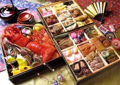 おせち料理 Osechi-ryori: Osechi-ryori are specially prepared New Year's dishes to be eaten during the first three days of January