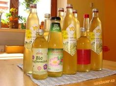 bezový sirup Hot Sauce Bottles, Smoothie, Ale, Food And Drink, Herbs, Homemade, Drinks, Cooking, Syrup
