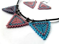 Set composed by a necklace, with three triangular peyote pieces, and the earrings.
