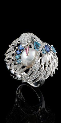 Bird Jewelry, Animal Jewelry, Jewelry Art, Antique Jewelry, Jewelry Accessories, Vintage Jewelry, Fashion Jewelry, Silver Jewelry, Jewelry Stand