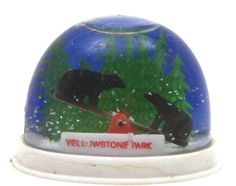 Yellowstone Park Bear Seesaw Vintage Souvenir Travel Tourism Snow Globe Dome